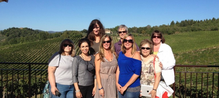 solo female travel group
